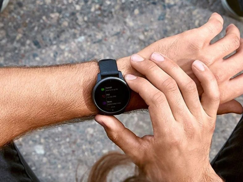 Apple Watch SE or Garmin Vivoactive 4 – Which is better?